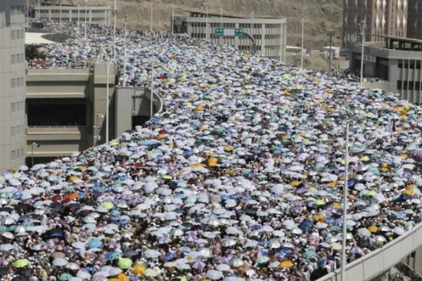 Pemulangan 18.589 Jemaah Umrah Dilakukan Bertahap Hingga 15 Maret