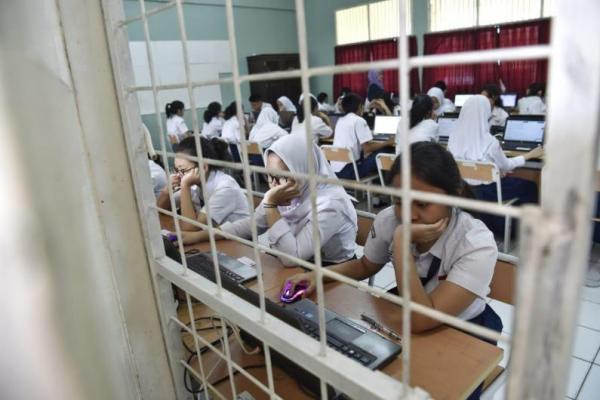 Ujian Nasional SMK di Sejumlah Daerah Berjalan Lancar