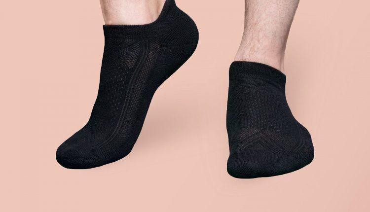 invictus-tailoring-sneaker-socks-hT62adN2Xso-unsplash-compressor