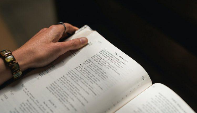 Jasa Penerjemah Tersumpah dan Cara Memilih Penerjemah yang Baik