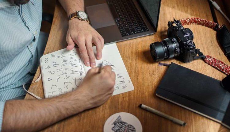 Contoh Pekerjaan Freelance – Wartawan