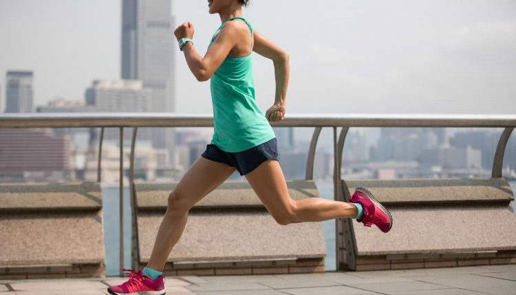 sportswoman-running-in-hong-hong-FPSV265 (1)