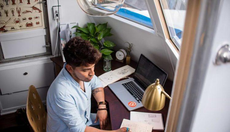 Pengertian Freelance, Syarat Menjadi Freelance dan Cara Kerjanya – Wartawan