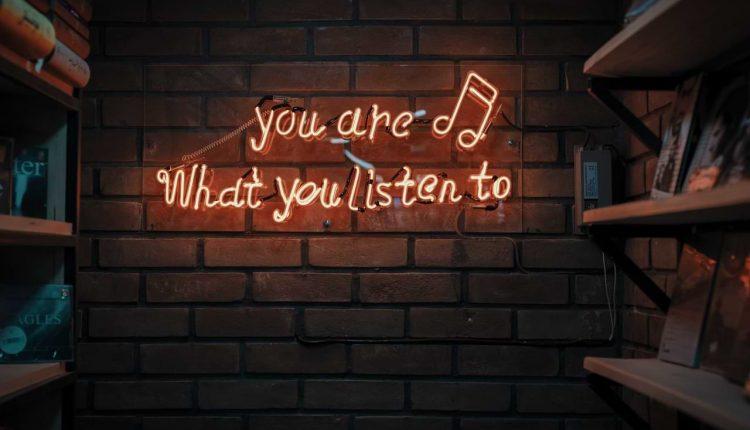 Download MP3 Tak Hanya Menyenangkan, Inilah 8 Manfaat Mendengarkan Musik – Wartawan.id